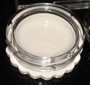 4 ml White Jar w/ Clear Daisy Lid Set